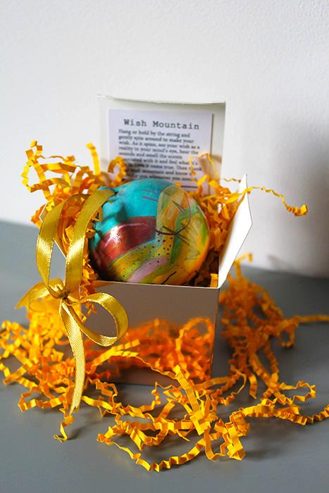 Gift box ornaments